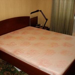 Продаётся кровать для спальни