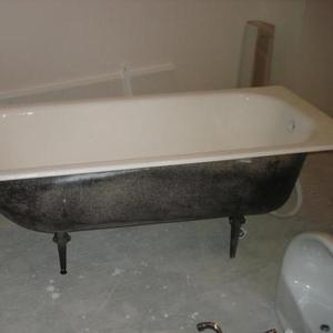 Продаётся ванна чугунная