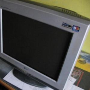 Продам монитор ЭЛТ LG FLATRON F920P