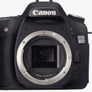 Продам зеркальный фотоаппарат Canon EOS 30D body.