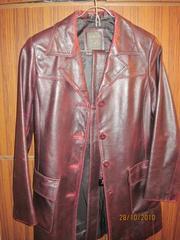 Продаётся куртка длинная  кожаная  женская